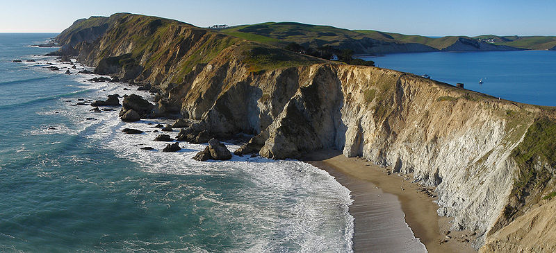 800px-Point_Reyes_National_Seashore_headlands_from_Chimney_Rock